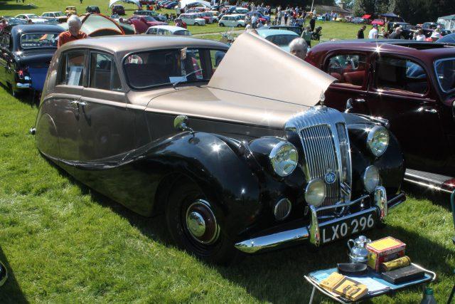 Daimler-DB18-Empress-1950LXO-296Daimler-DB18.jpg