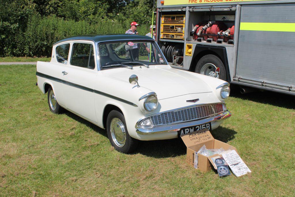 Ford-Anglia-105E-1200-Super-ARW-215-BFord-Anglia-150x150