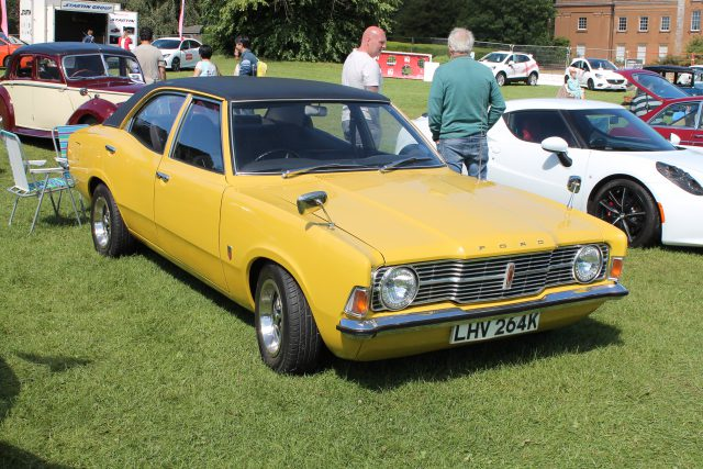 Ford-Cortina-Mk3-2000-LHV-264-KFord-Cortina.jpg