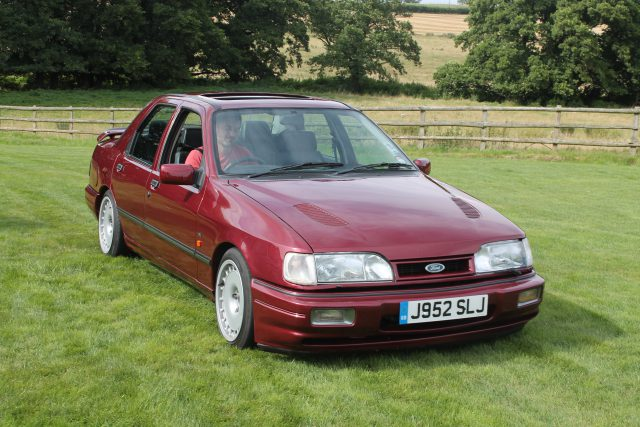 Ford-Sierra-Sapphire-RS-Cosworth-J-952-SLJFord-RS-Cosworth.jpg
