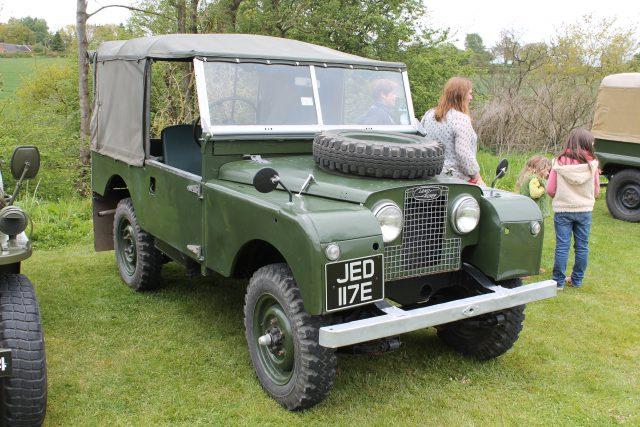 Land-Rover-Series-1-80-JED-117-ELand-Rover-Series-1.jpg