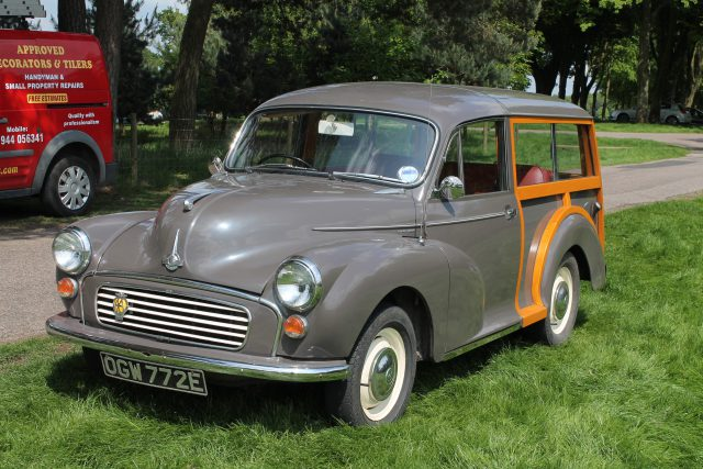 Morris-Minor-1000-Traveller-OGW-772-EMorris-Minor-1000.jpg