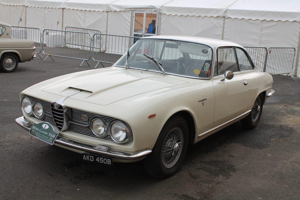 Alfa-Romeo-2600-Sprint-AKD-450-B2Alfa-Romeo-2600-Sprint-1024x683