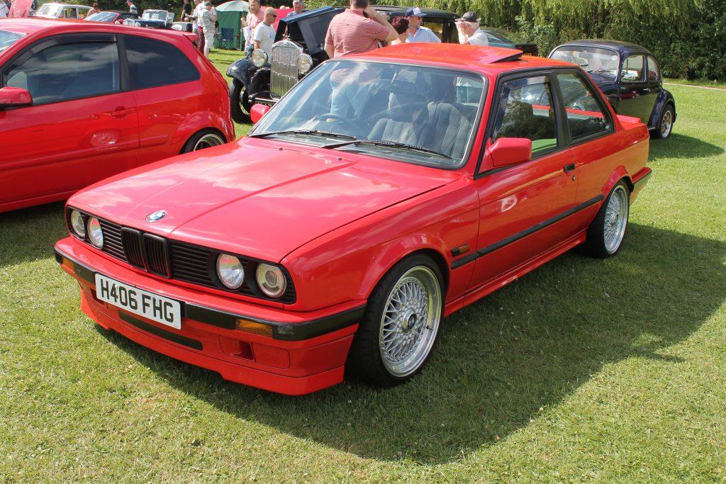 BMW-3-Series-E30-318is-H-406-FHGBMW-3-Series-1024x683
