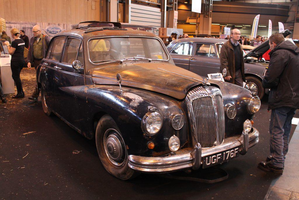 Daimler-Majestic-Major-UGF-176-FDaimler-Majestic-1024x683