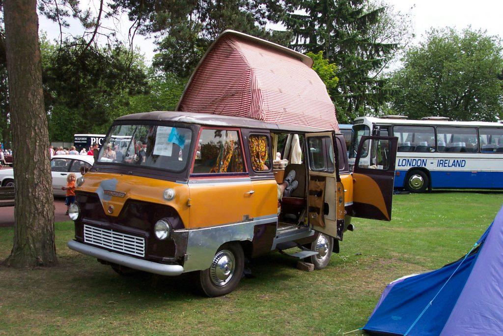 Ford-400E-Camper-Van-Ford-400E-1024x683.jpg