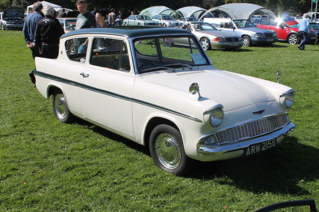 Ford-Anglia-Super-123E-ARW-215-BFord-Anglia-1-1024x683
