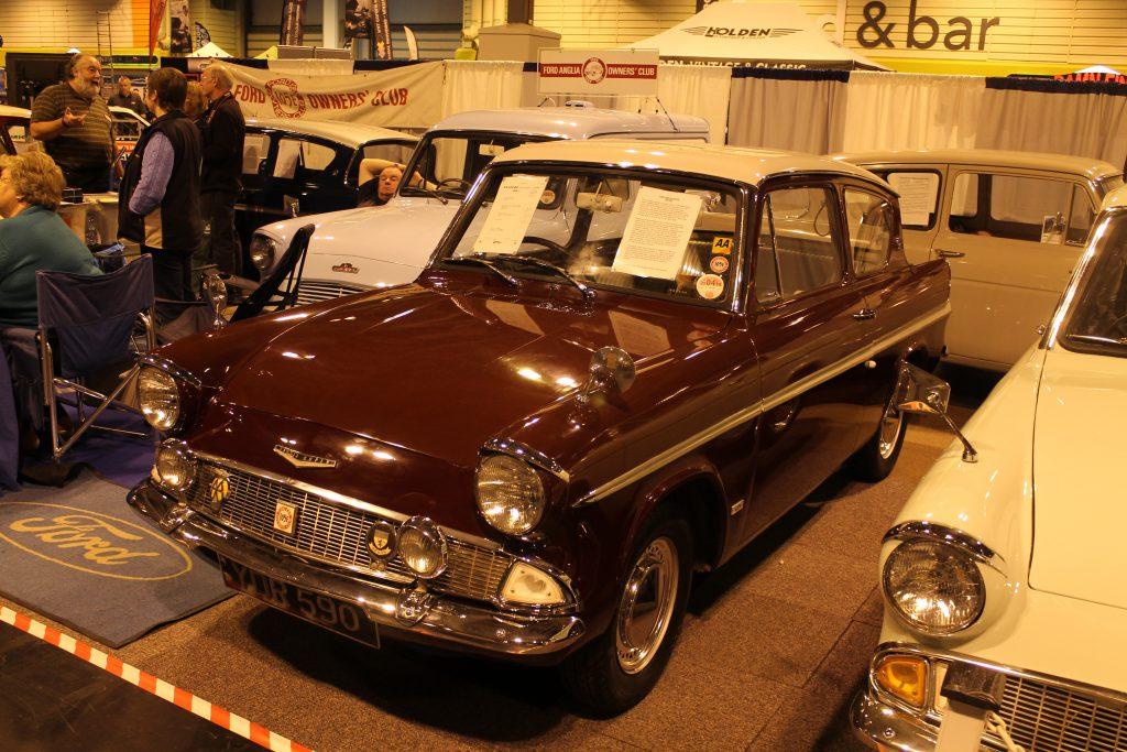 Ford-Anglia-Super-123E-YDR-590Ford-Anglia-1024x683