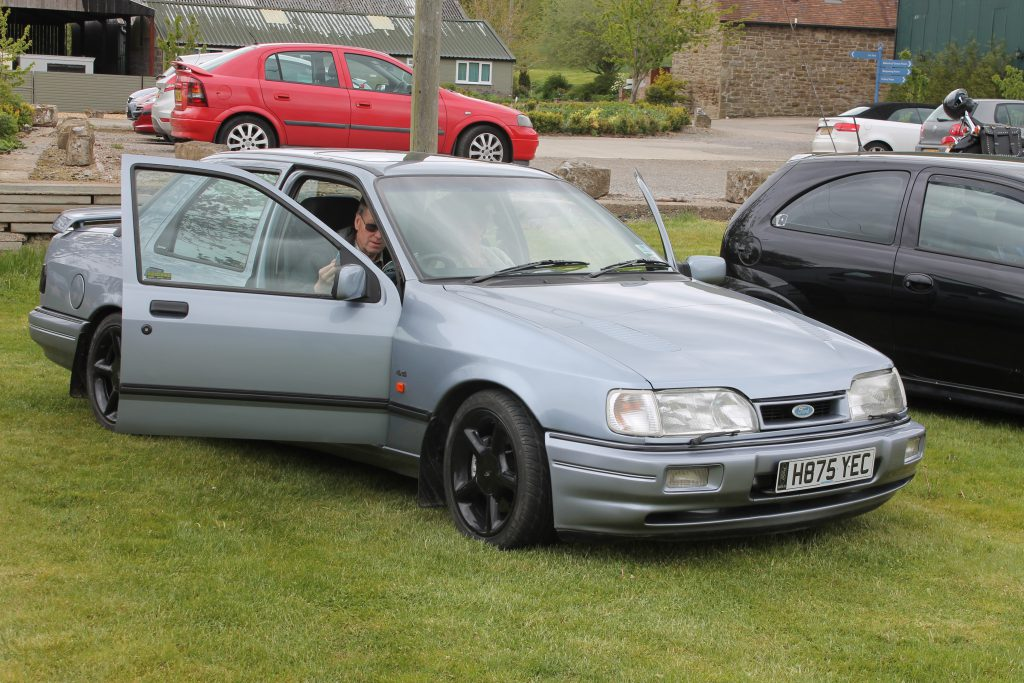 Ford-Sierra-Sapphire-RS-Cosworth-4x4-H-875-YECFord-RS-Cosworth-1024x683