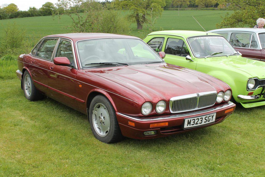 Jaguar-XJ-X300M-323-SGYJaguar-XJ6-1024x683