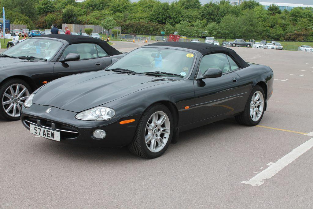 Jaguar-XK8-Convertible-57-AEWJaguar-XK8-XKR-1024x683