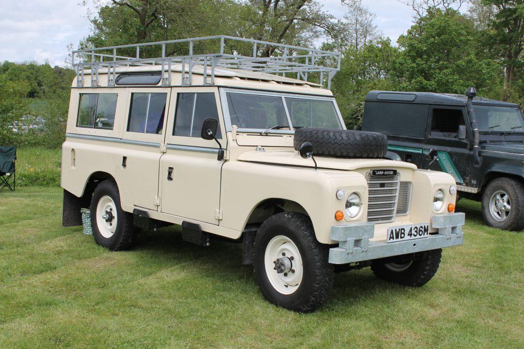 Land-Rover-Series-3-109-Safari-AWB-436-MLand-Rover-Series-3-1024x683