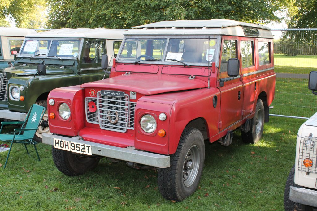 Land-Rover-Series-3-109-Safari-HDH-952-TLand-Rover-Series-3-1024x683