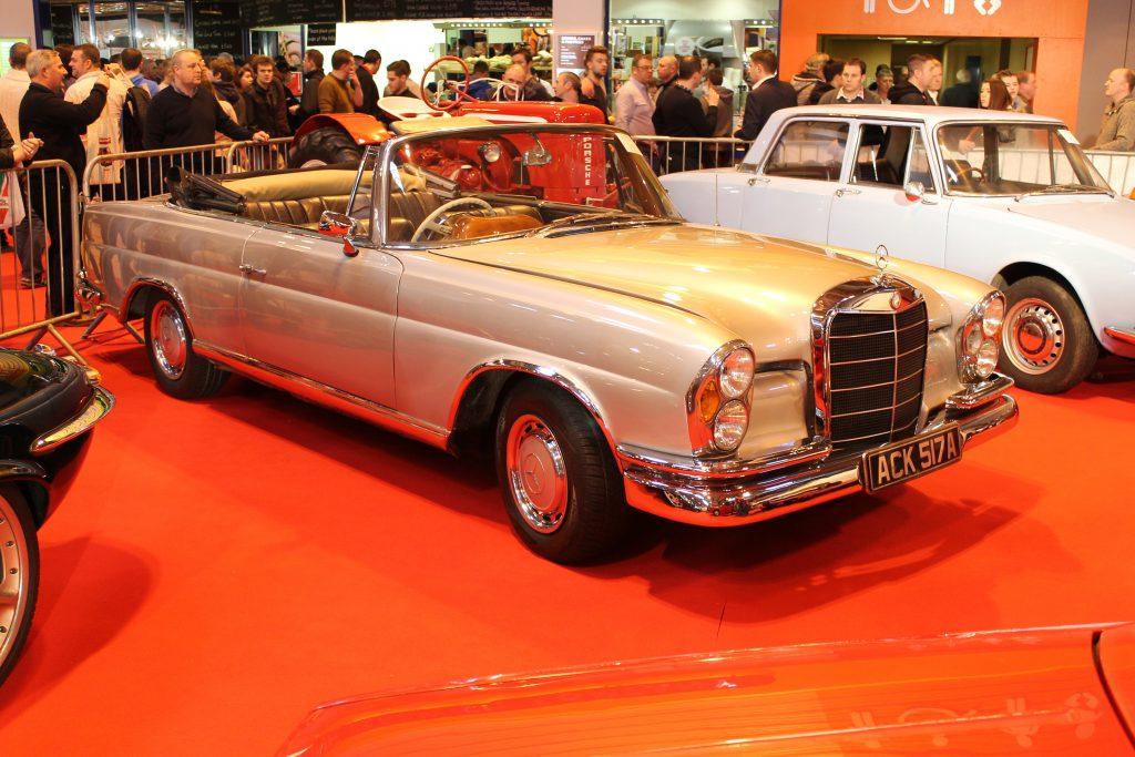Mercedes-Benz-W111-220SE-Cabriolet-1963ACK-517-AMercedes-Benz-W111-1024x683