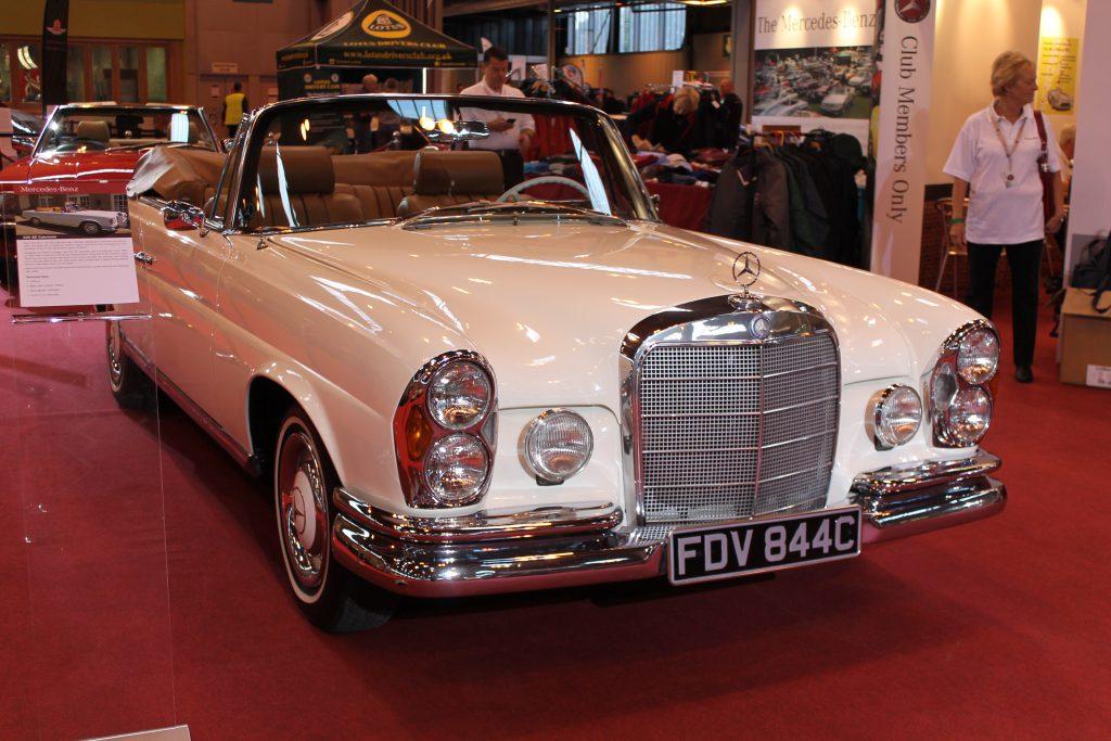 Mercedes-Benz-W111-220SE-Cabriolet-FDV-844-C-2-1024x683