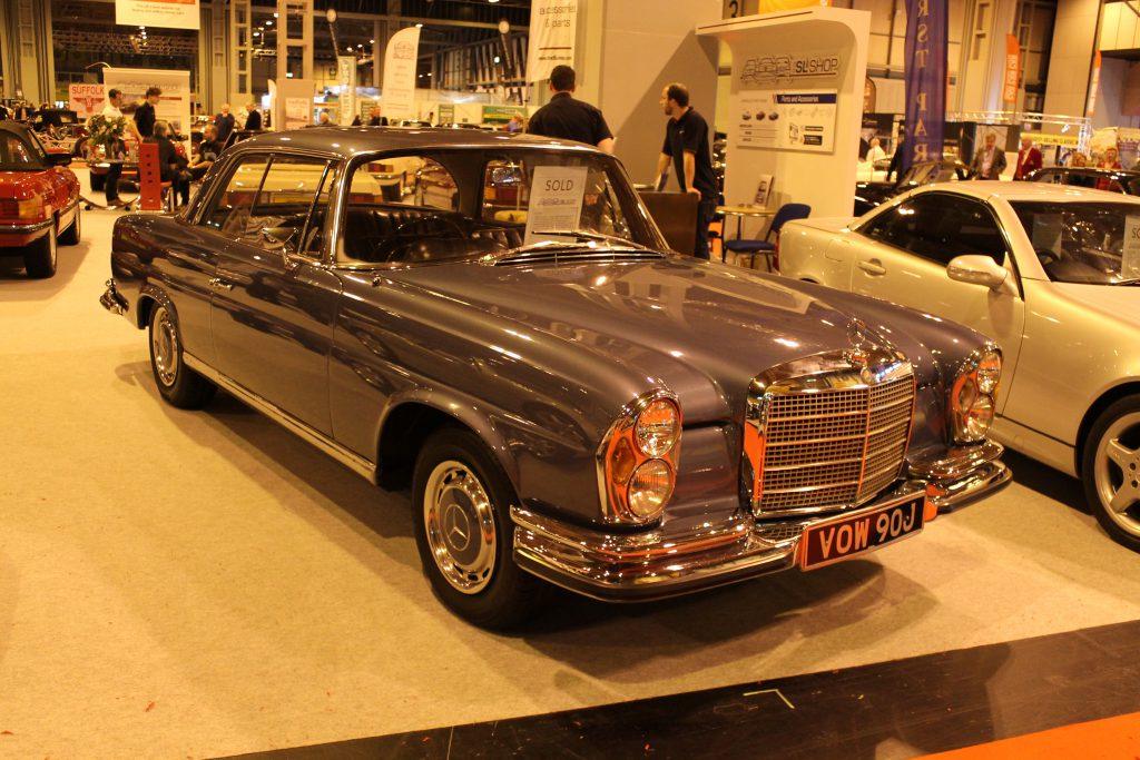 Mercedes-Benz-W111-220SE-VOW-90-J-1024x683