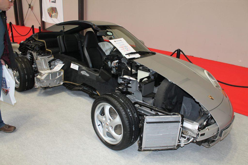 Porsche-911-Type-996-Cut-Away-Porsche-911-1024x683