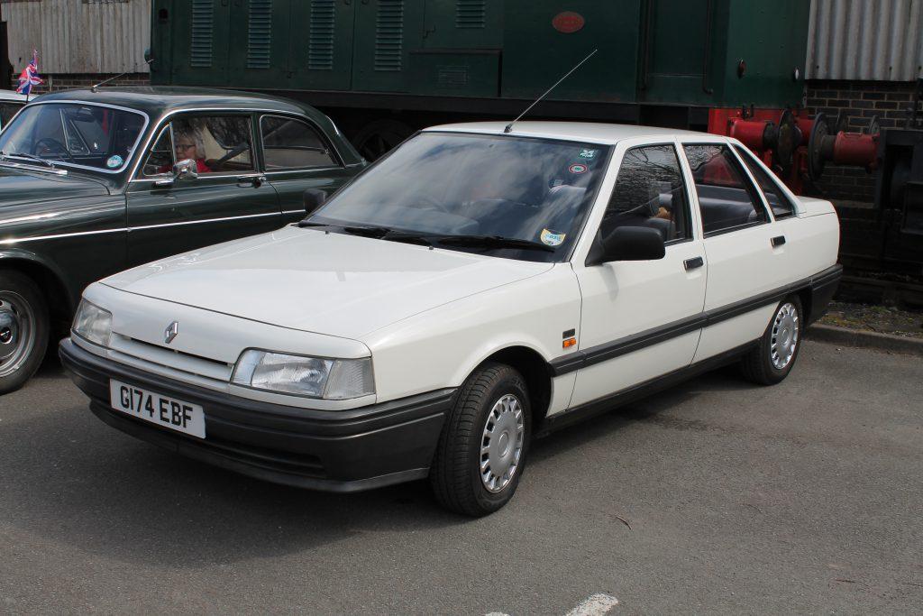Renault-21-G-174-EBFRenault-21-1-1024x683