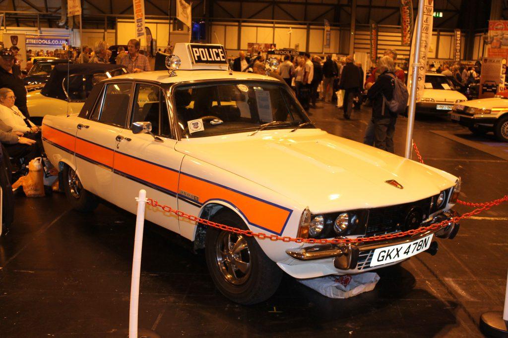 Rover-3500S-Police-Car-GKX-478-NRover-P6-1024x683