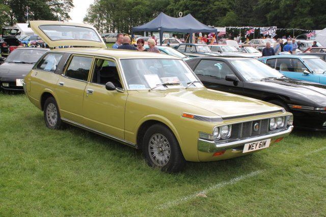 Toyota-Crown-Custom-Estate-1973WEY-61-MToyota-Crown.jpg