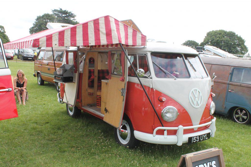 Volkswagen-T1-Camper-Van-153-UYL-1Volkswagen-T1-1024x683