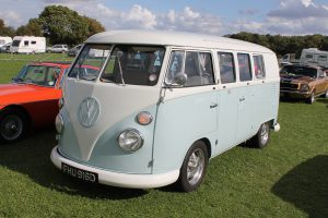 Volkswagen-T1-Camper-Van-FHU-916-D-300x200.jpg