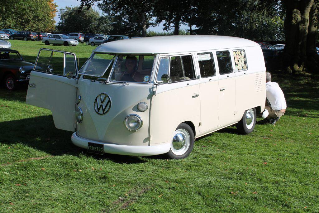 Volkswagen-T1-Camper-Van-YRD-578-C-1Volkswagen-T1-1024x683