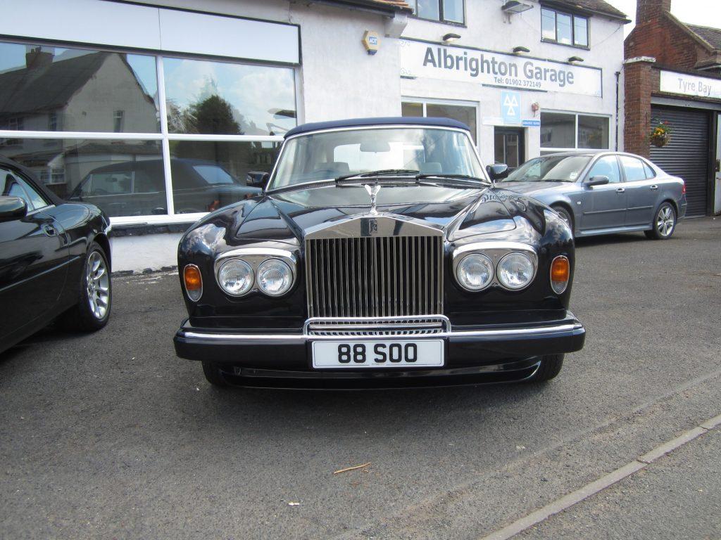 Rolls-Royce-Corniche-III-Convertible-88-SOO-1-150x150