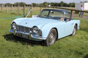 Triumph TR4 – EYY 616 B