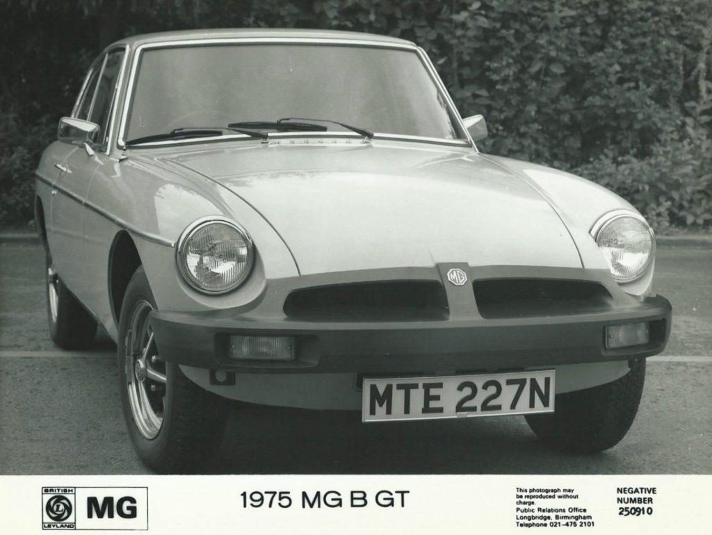 MGB-GT-1975Neg-250910-1024x770
