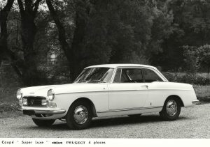 Peugeot 404 Coupe Super Luxe Press Photo