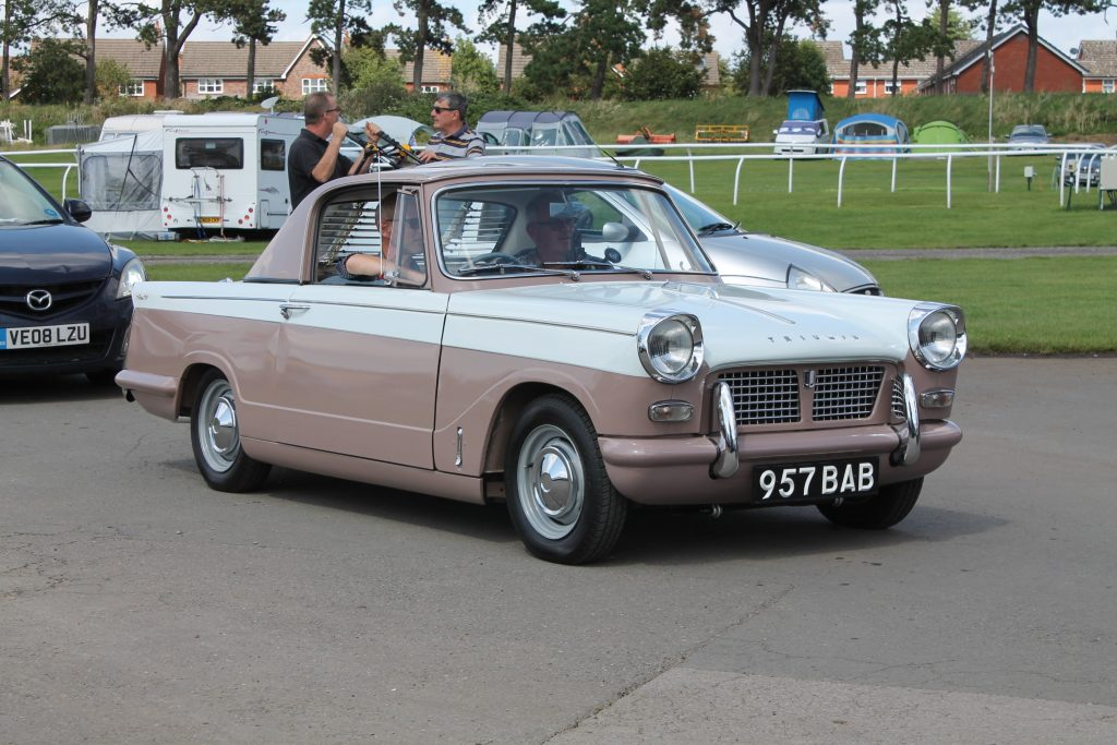 Triumph-Herald-Coupe-957-BAB-2-1024x683