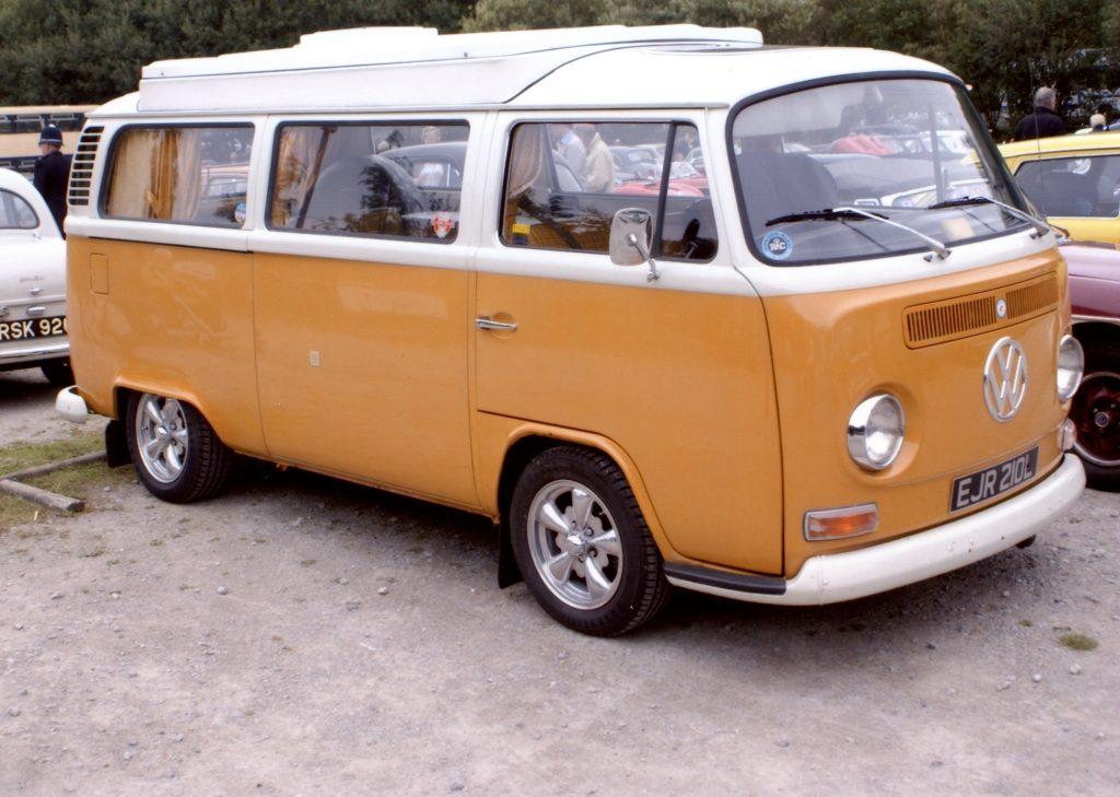 Volkswagen-T2-Camper-Van-EJR-210-L-1024x729