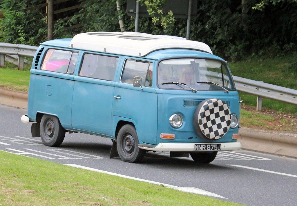 Volkswagen-T2-Camper-Van-WNR-875-J-1024x713