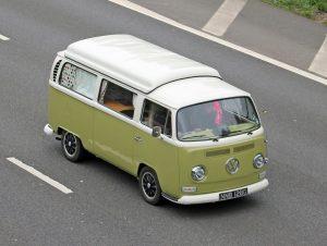 Volkswagen T2 Camper Van – NNB 128 G (Copyright ERF Mania)