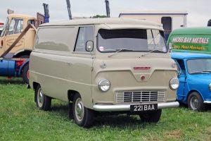 Ford 400E Van – 221 BAA (Copyright ERF Mania)