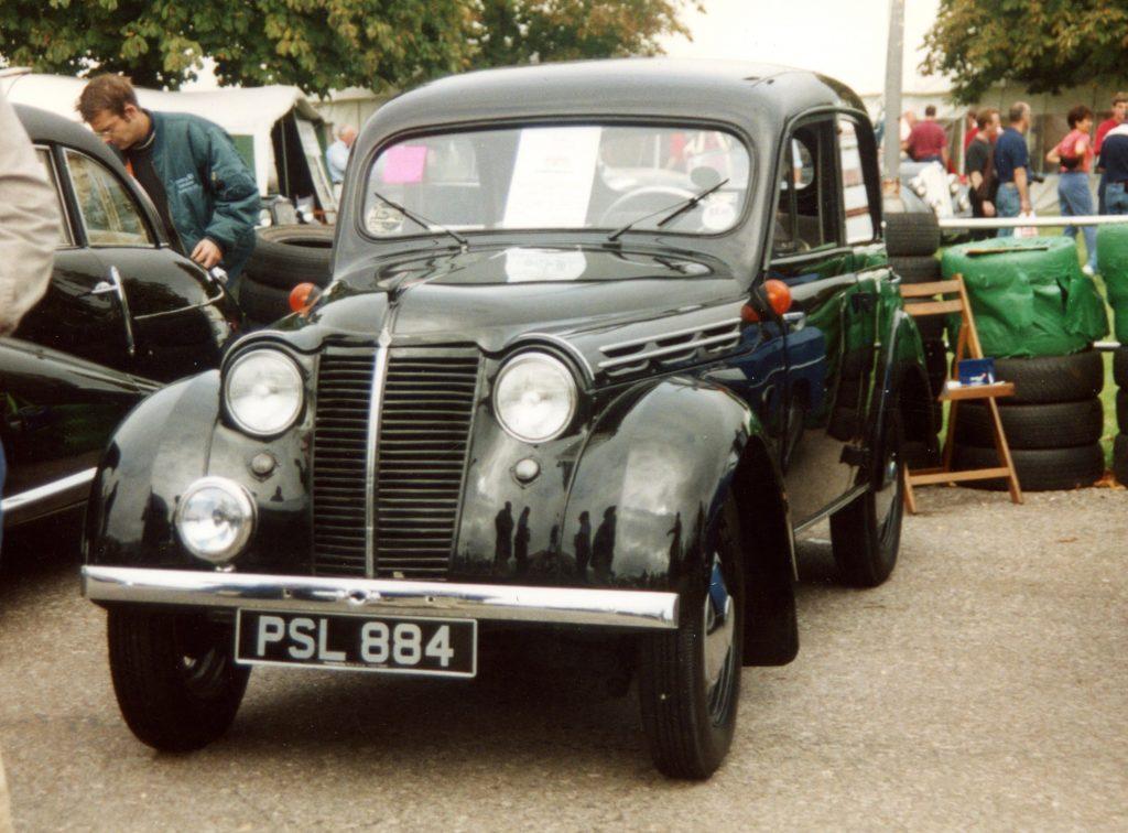 Renault-Juvaquatre-1947PSL-884-1024x756