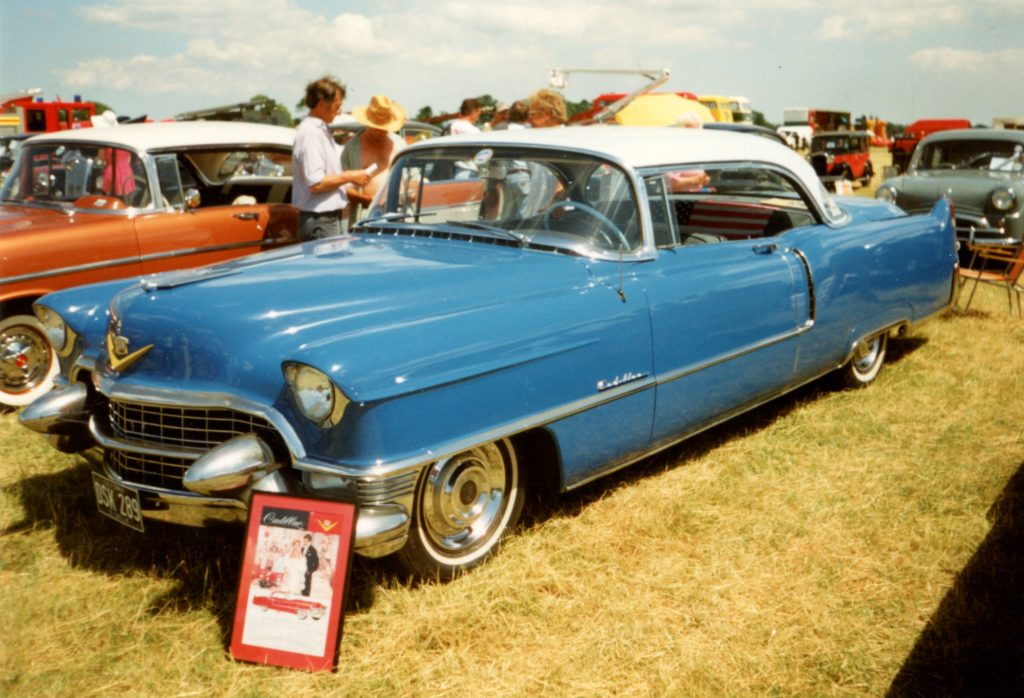 Cadillac-Series-62-4th-Generation-Eldorado-DSK-289-1024x698