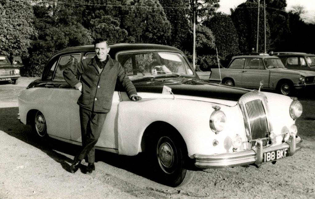 Daimler-Majestic-Major-188-BKF-1024x645
