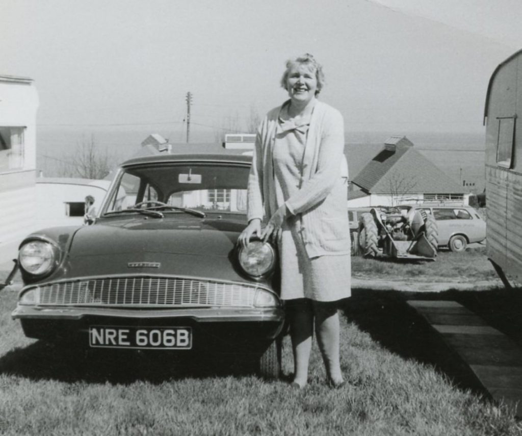 Ford-Anglia-105E-NRE-606-BFord-Anglia-1024x855