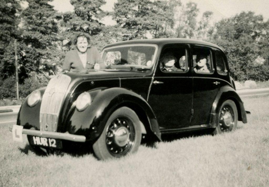 Morris-Eight-Series-E-1947HUR-12-1024x713