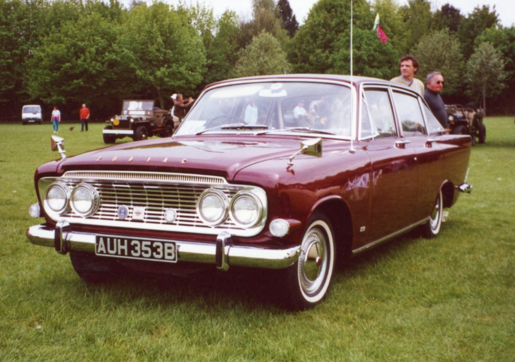 Ford-Zodiac-Mk3-AUH-353-B-1024x720