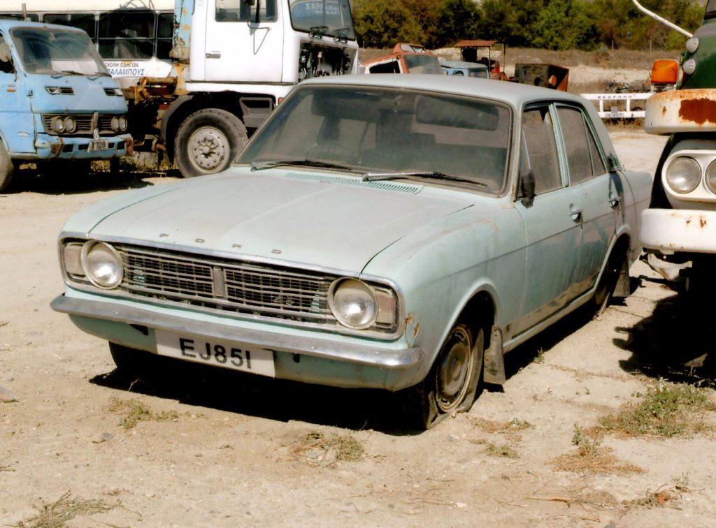 Ford-Cortina-Mk2-EJ-851-1024x756