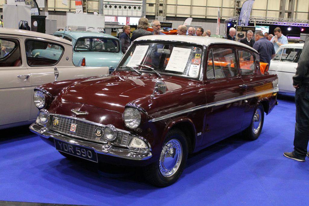 Ford-Anglia-Suoer-123e-YDR-590-1024x683