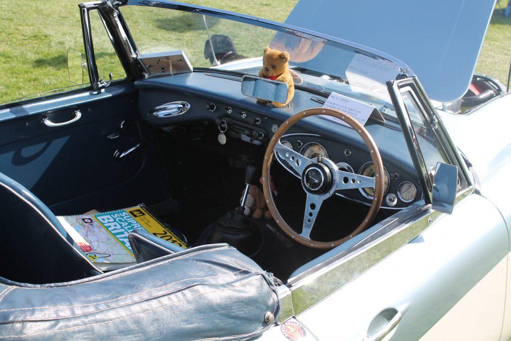 Austin-Healey-3000-MkII-FRE-3-A-Interior-Austin-Healey-3000-1024x683