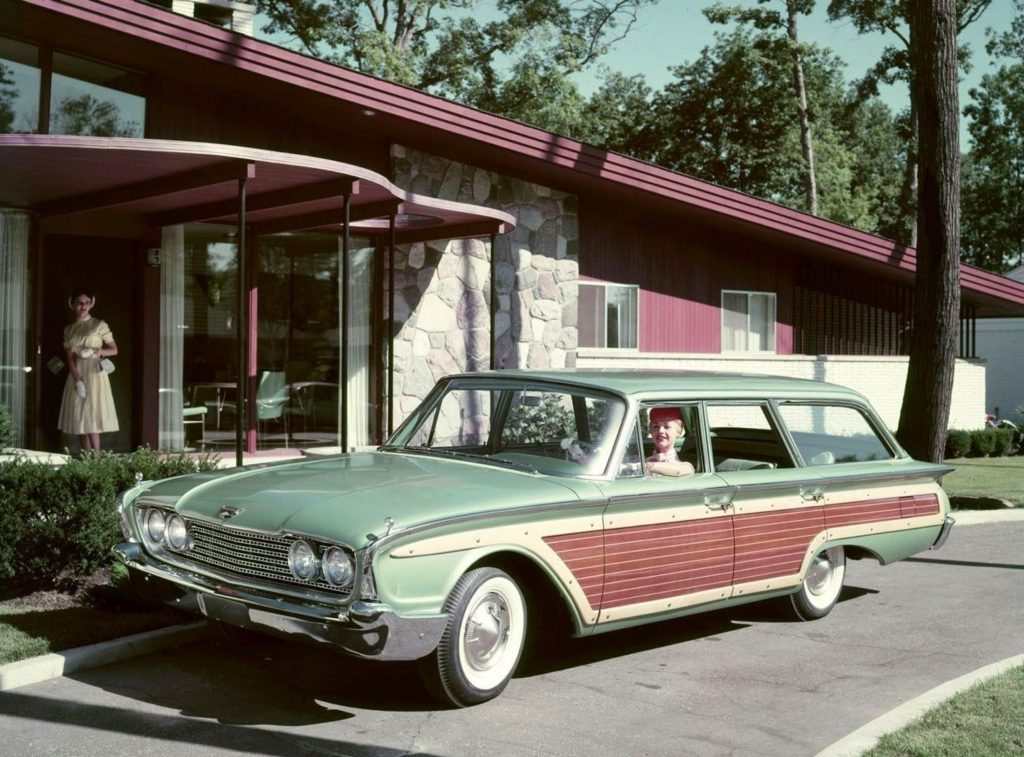 Ford-Country-Squire-Wagon-1960-1024x757