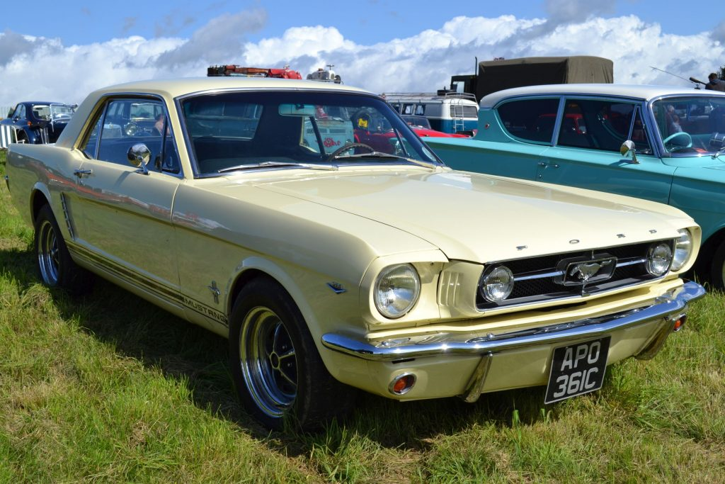 Ford-Mustang-Gen-1-1965-APO-361C-1024x683
