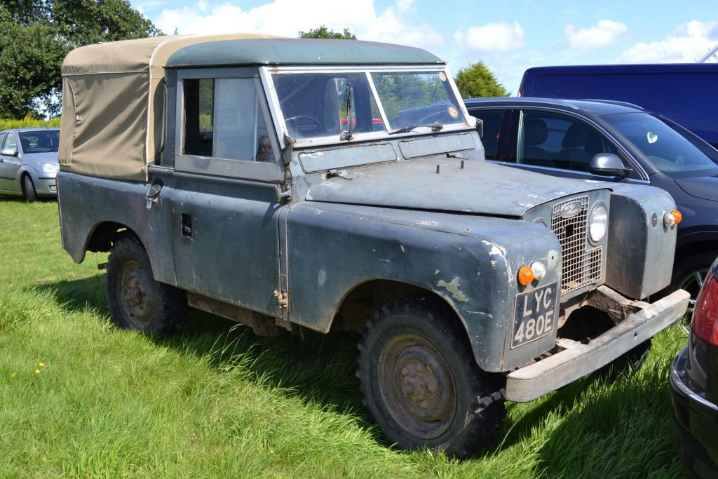 Land-Rover-Series-IIA-1967-LYC-480E-1024x683