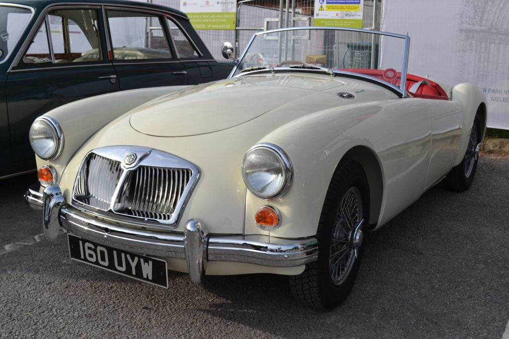 MG-A-Roadster-1962-160-UYW-1024x683