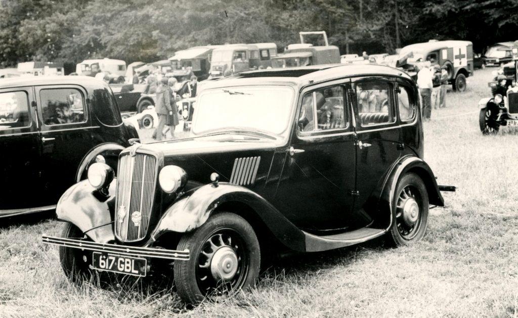 Morris-8-4-Door-Saloon-617-GBL-1024x629